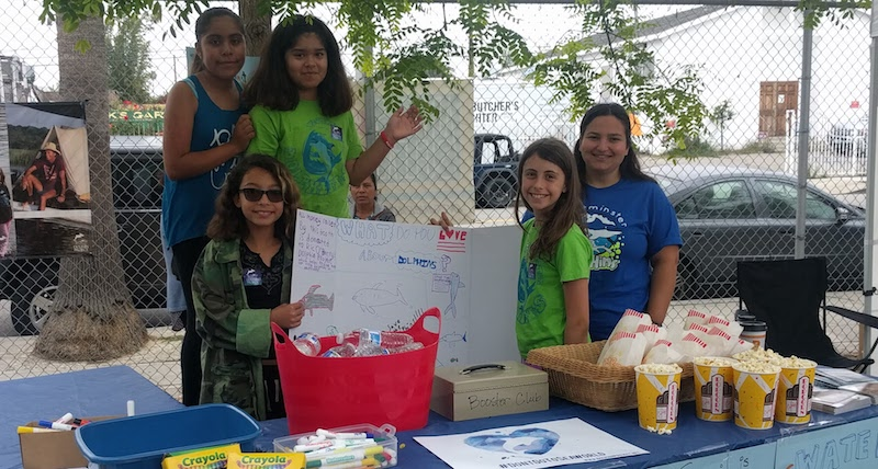 Dolphin Project Volunteer Booth