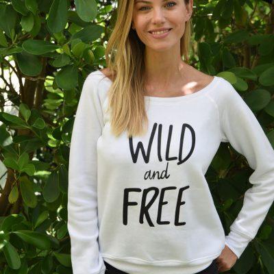 WOMEN'S WILD AND FREE FLEECE SWEATSHIRT 1