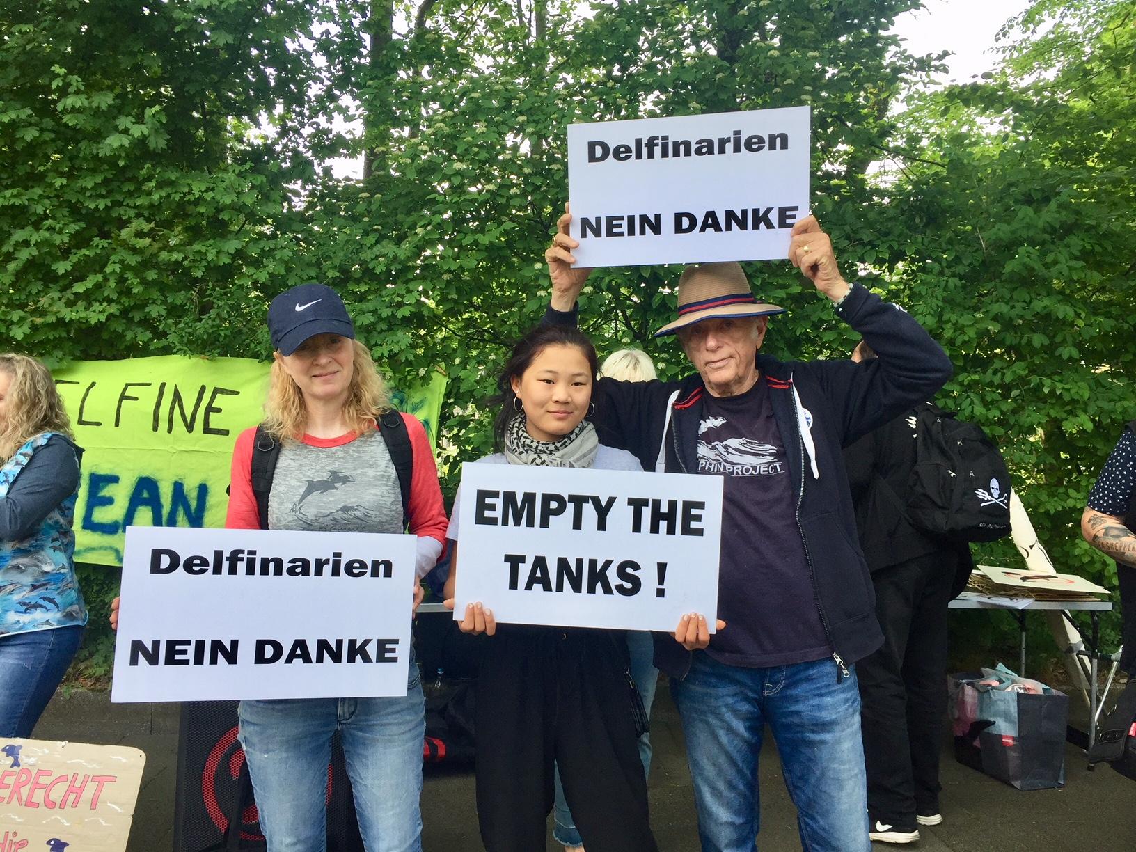 Ric, Helene and Mai Li O'Barry at Empty the Tanks/Duisburg Zoo